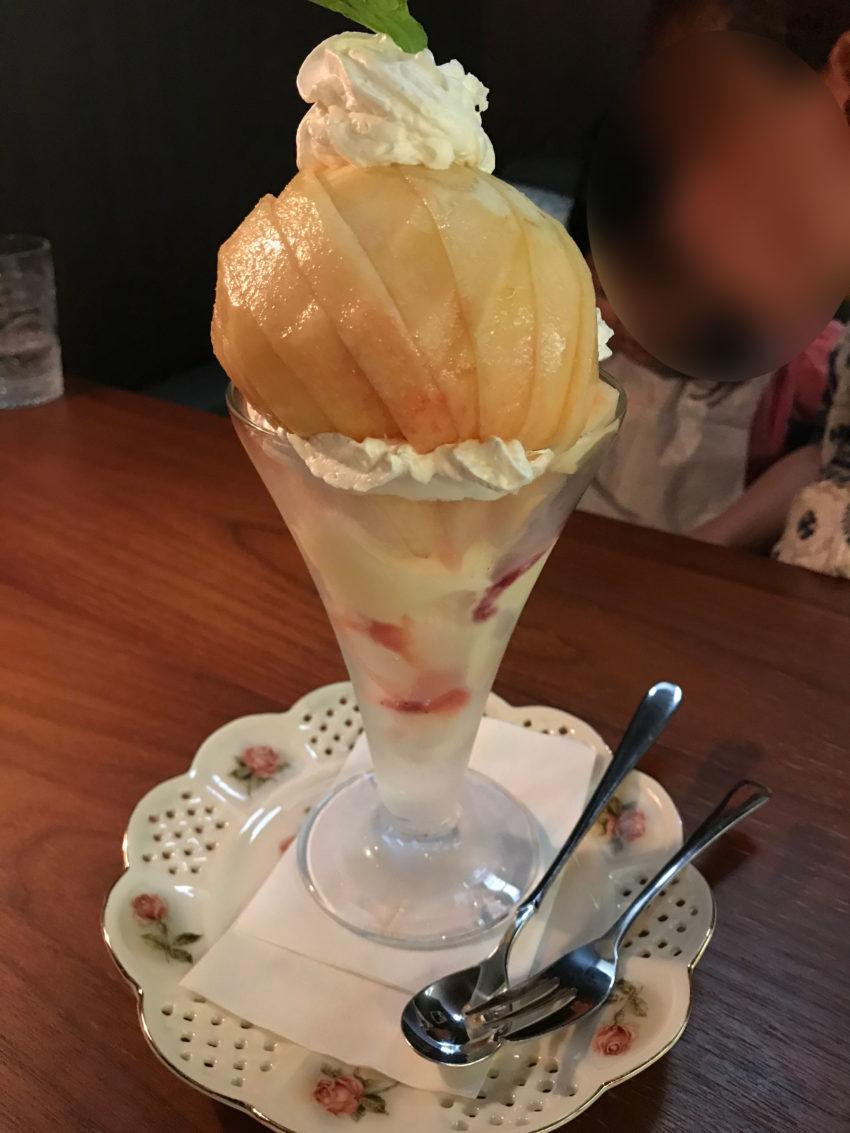Cafeふかみ 桃パフェ